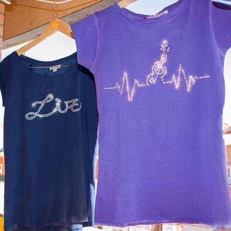Cuadro para la categoría Camisetas con Rhinestones